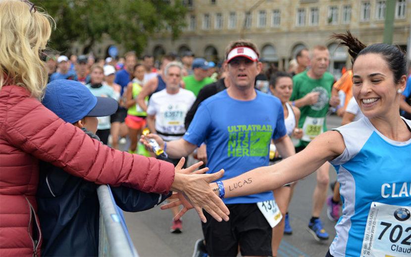 Mehrere Personen während eines Marathons