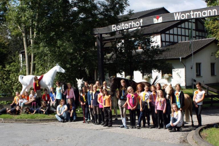 reiterhof-wortmann-spenge-gruppe-gross-ostern