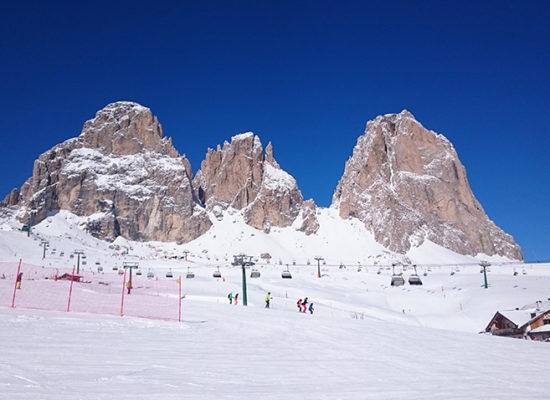 st-martin-lovarahof-dolomiten-lift-winter